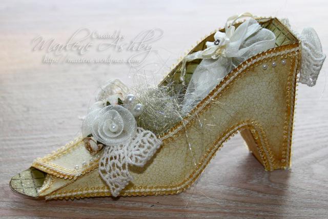 Cinderella Paper Shoe Template Shoe02.jpg
